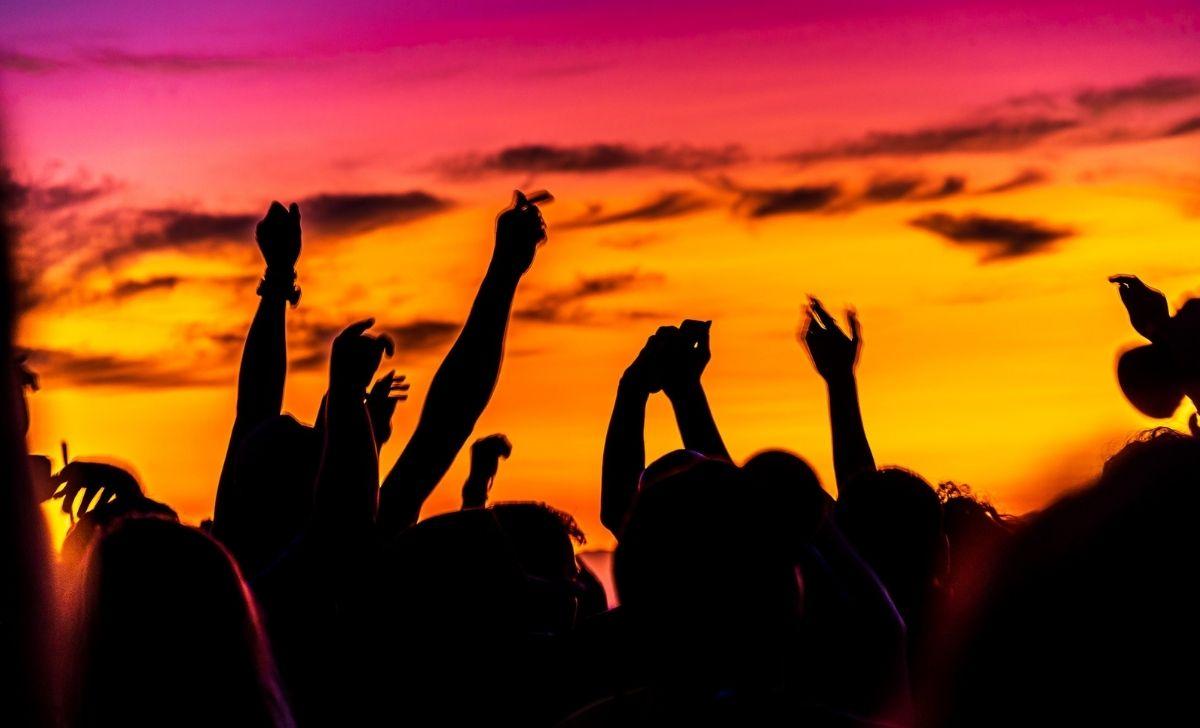 Estate spiaggia party musica