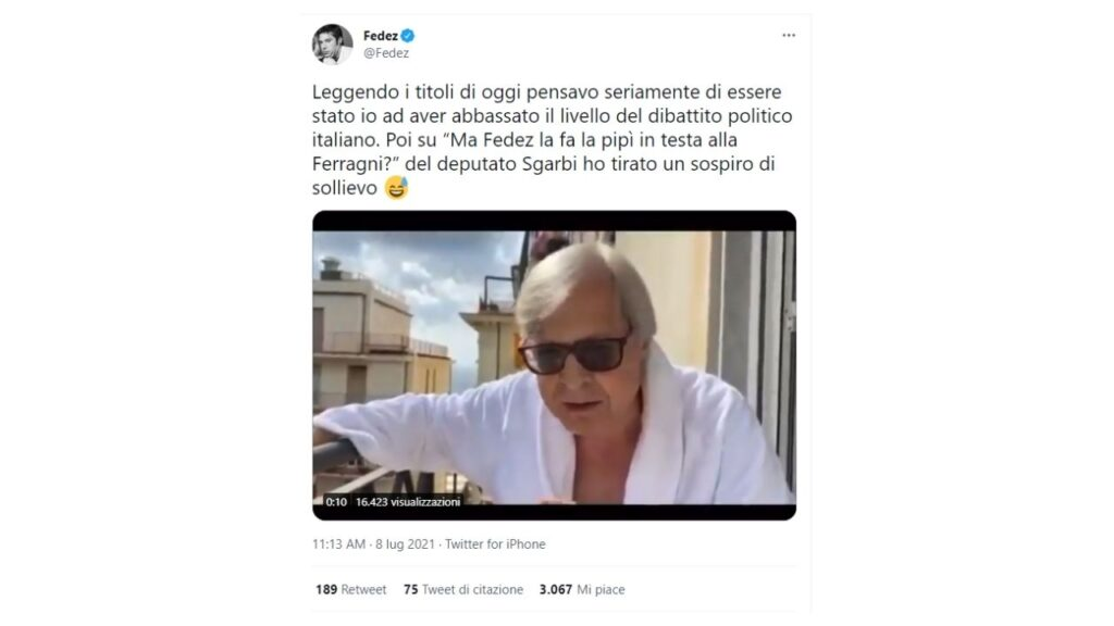fedez risponde su Twitter a Vittorio Sgarbi