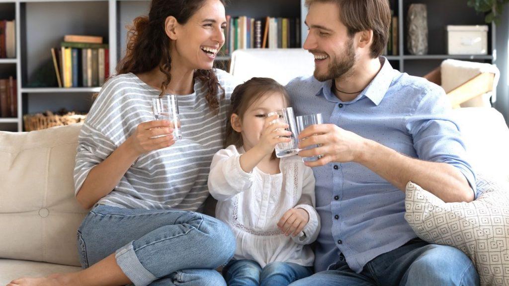 quanta acqua bisogna bere al giorno