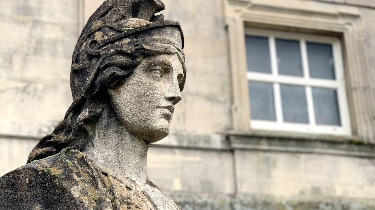 Roma statua dea